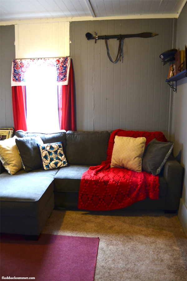 Flashback Summer: Our Living Room - vintage home decor