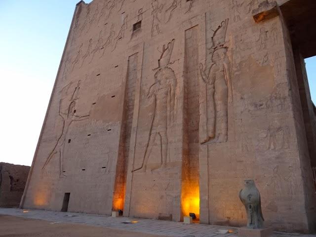 Świątynia w Edfu