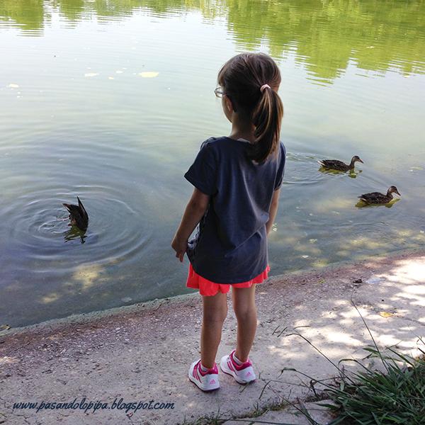 LittleAna en el lago