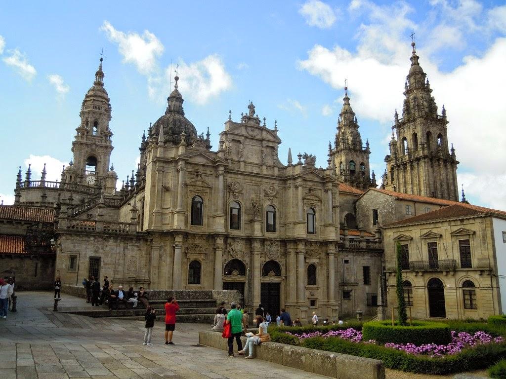 La Catedral de Santiago de Compostela en su lado norte