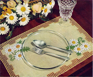 Vintage Daisy and Mesh on Linen Placemat Pattern
