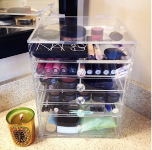 3 Draw Makeup Organizer With Crystal Knobs