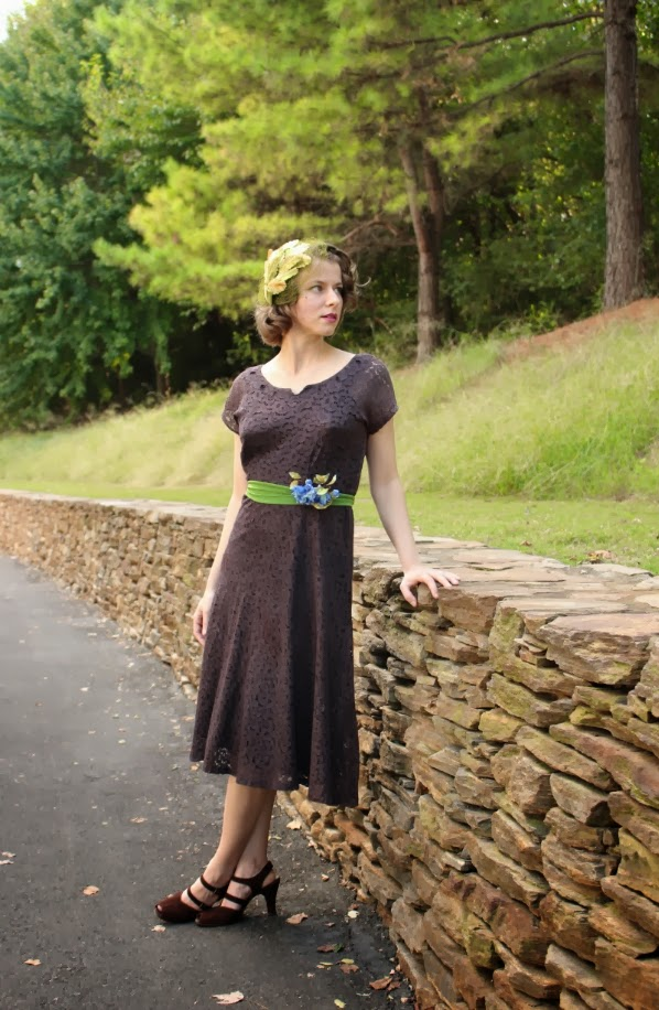 Outfit #5 of My Vintage Autumn Recap #1940s #lace #dress #vintage #fashion