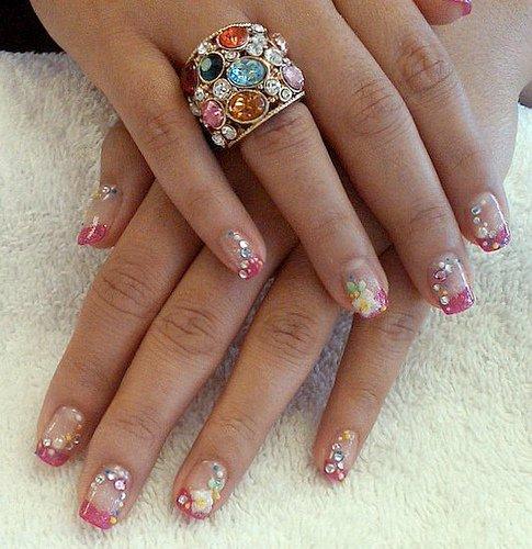 Nail Art Designs 2011: Entertainment: Fresh Nail Art