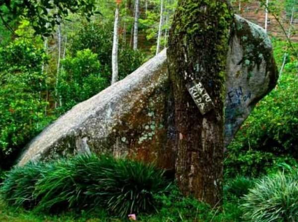 wisata alam bandung timur Situs Batu kuda