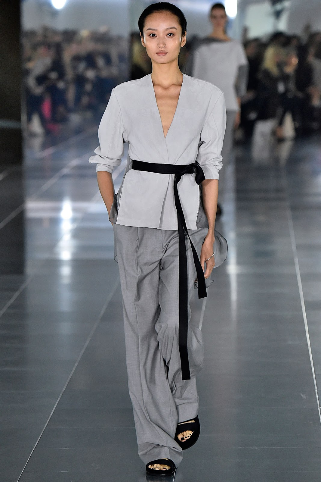 Amanda Wakeley Spring/Summer 2016 via www.fashionedbylove.co.uk british fashion blog