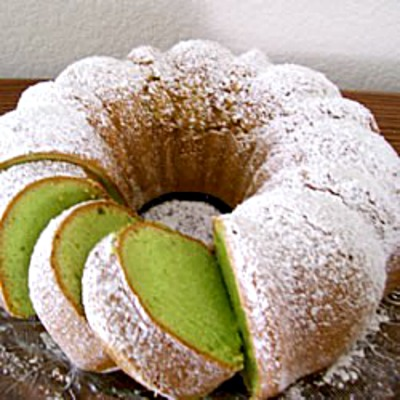 Pistachio Cake With White Cake Mix And Club Soda