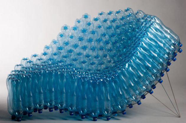 Silla hecha reciclando plástico