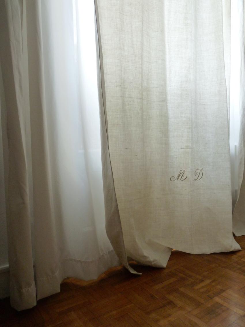 2eme porte a gauche des rideaux avec des draps - Faire des rideaux avec draps anciens ...