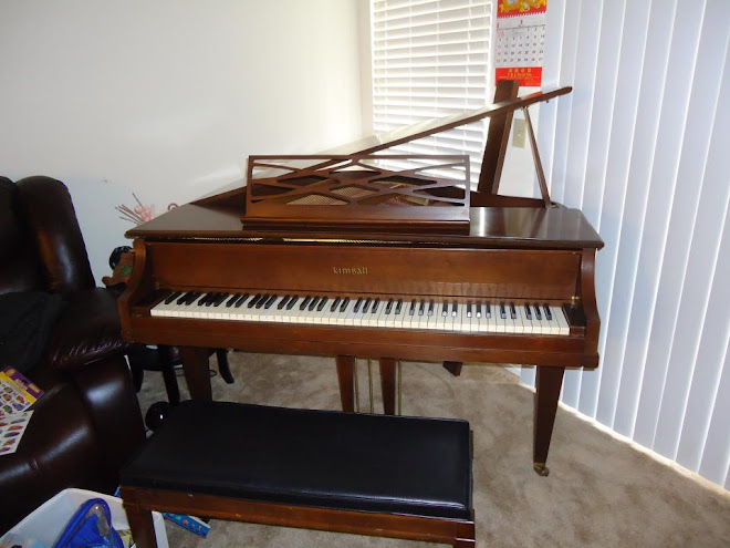 For Sale : Kimball Petite Baby Grand Piano