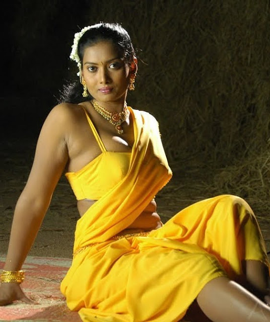 hot actress navel fold