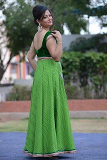 Shilpa Chakravarthy gorgeous stills 014.jpg