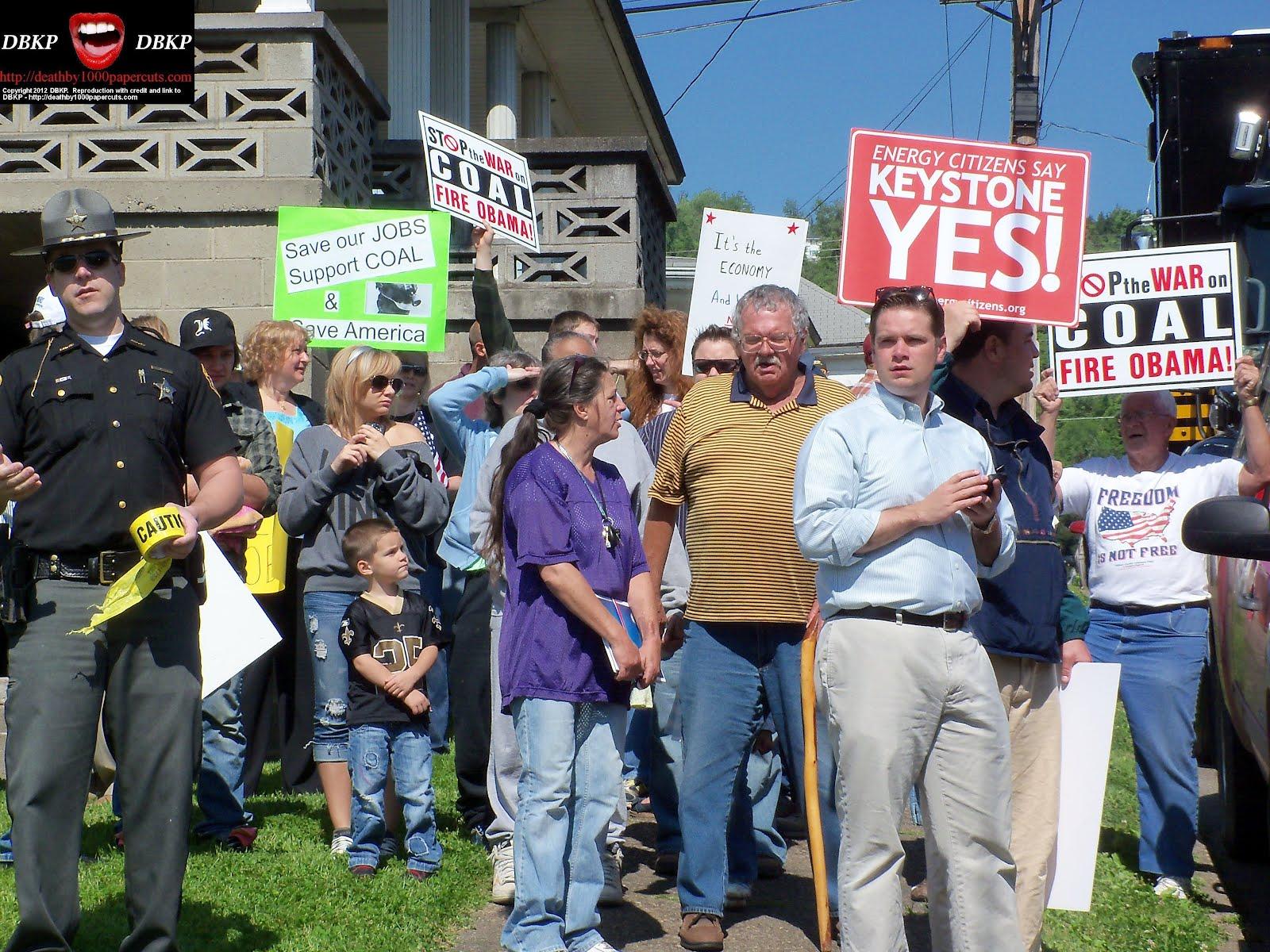 http://3.bp.blogspot.com/-0MtdCNZPzWs/T7jWoVrHf5I/AAAAAAAAXp8/YuUQ0sI10Mk/s1600/Biden-MF-protestors-3-0517-2012.jpg