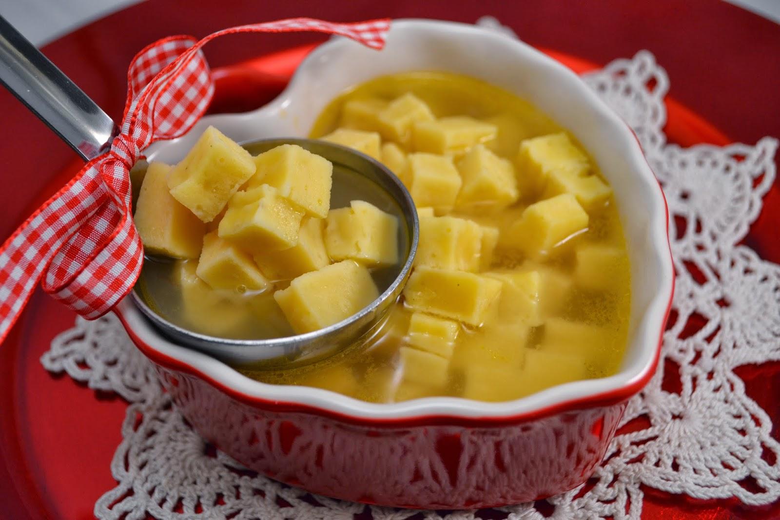 pasta reale in brodo: ricetta tipica delle marche