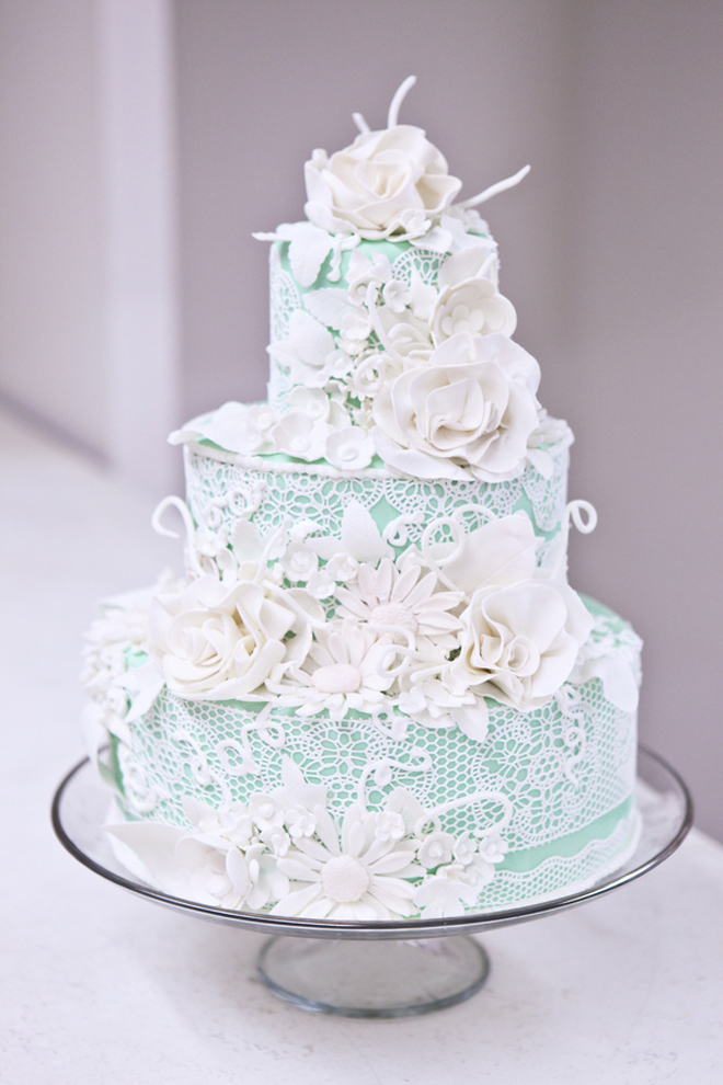 Cake: Lessings Photography/via: Robert & Kathleen Photographers