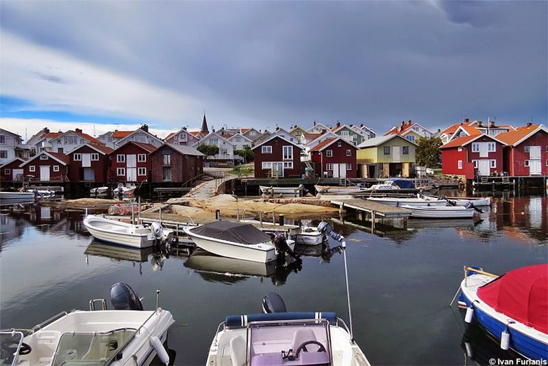 "Smögen is situated in Västra Götaland County of Sweden. It is one of the liveliest ""summer towns"" of the Swedish West Coast."