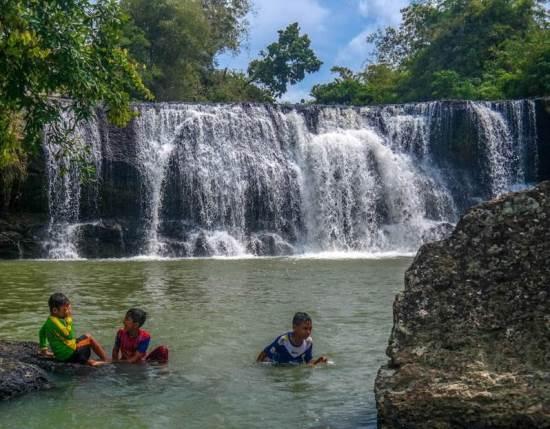 Curug dengdeng tempat wisata alam di tasikmalaya