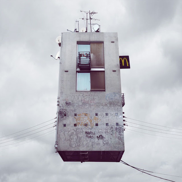 Casas,voladoras,Laurent Chehere,Fying,houses,francia,france,paris,19th, 20th,arrondissement,ropa,tendida,windows,ventanas,McDonalds