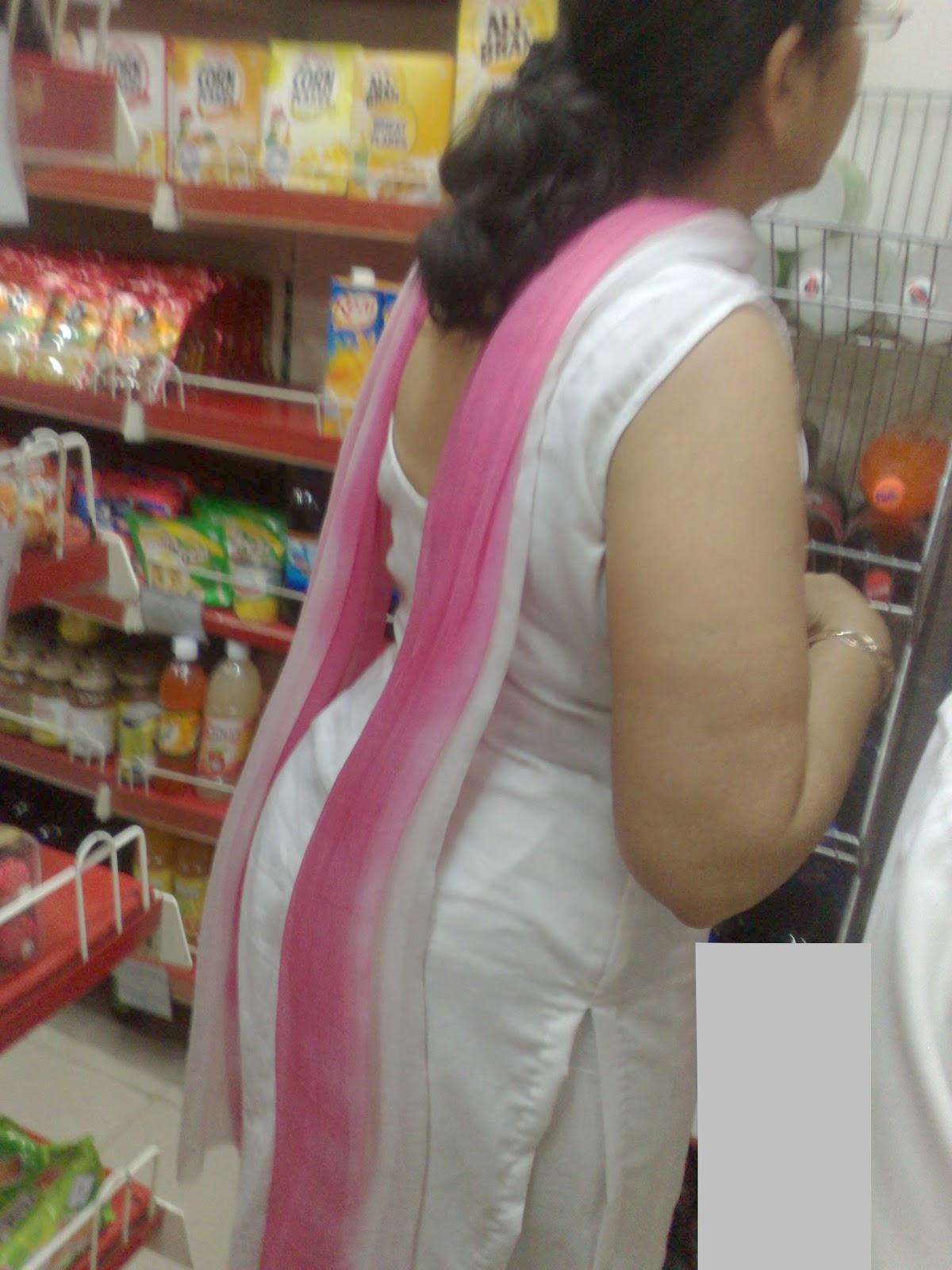 Indian aunty moti gaand