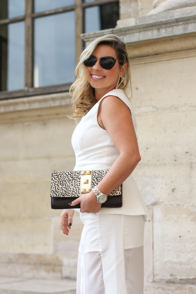 look of the day in front of the Louvre Paris