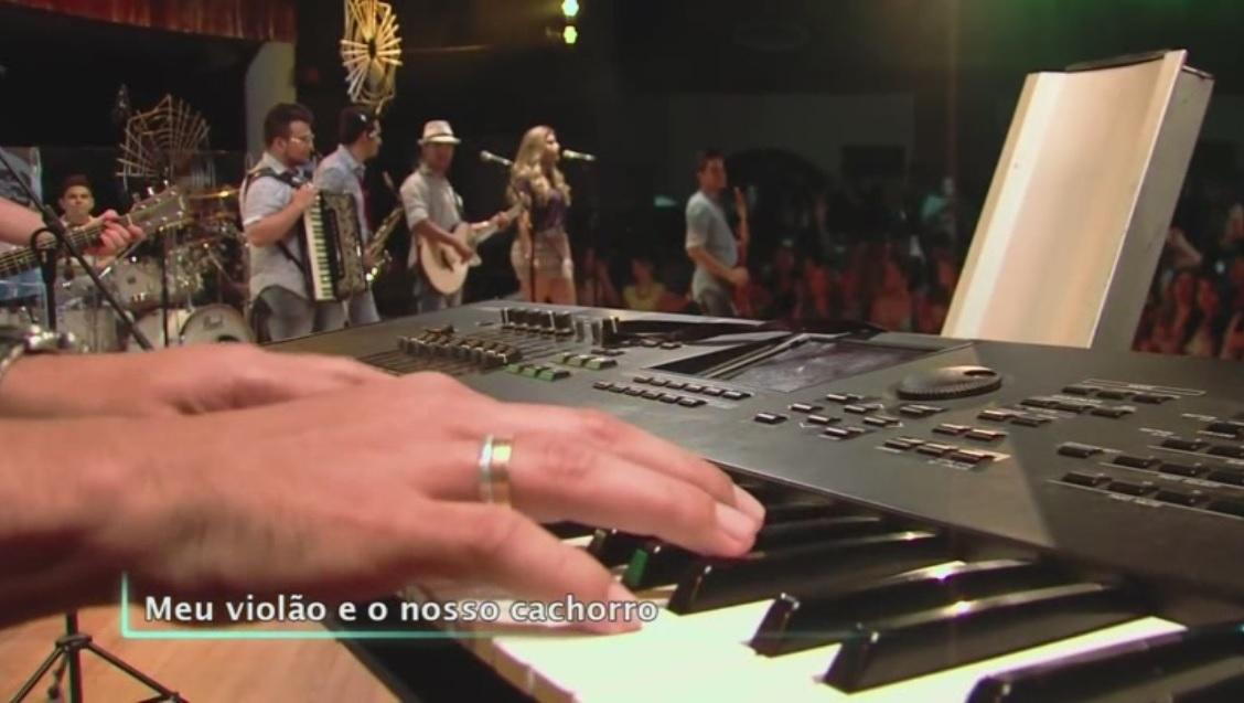 CLICK AQUI  Coleguinhas Vip 2016 DVD-R 1