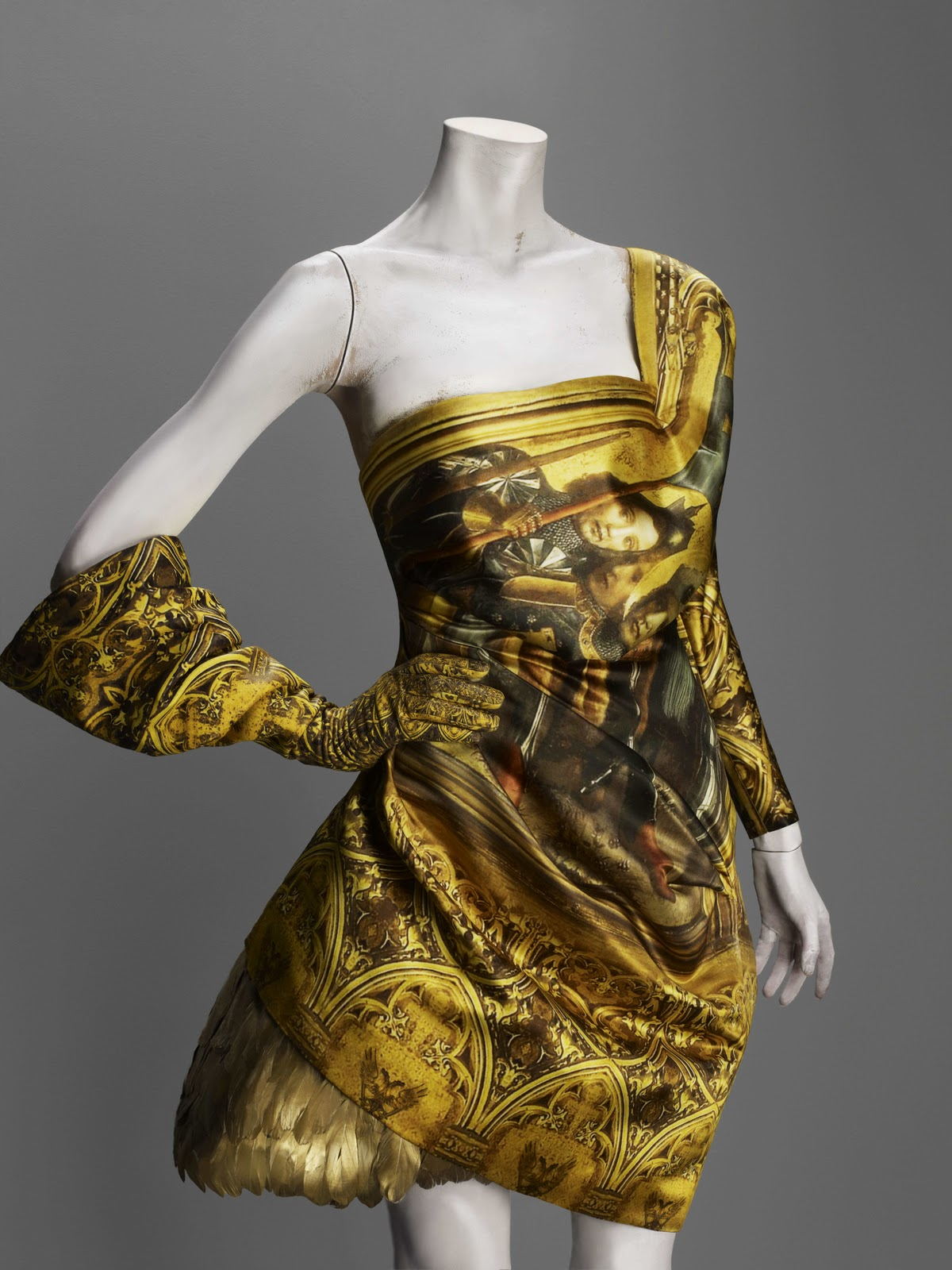 What's up! trouvaillesdujour: Alexander McQueen: Savage Beauty