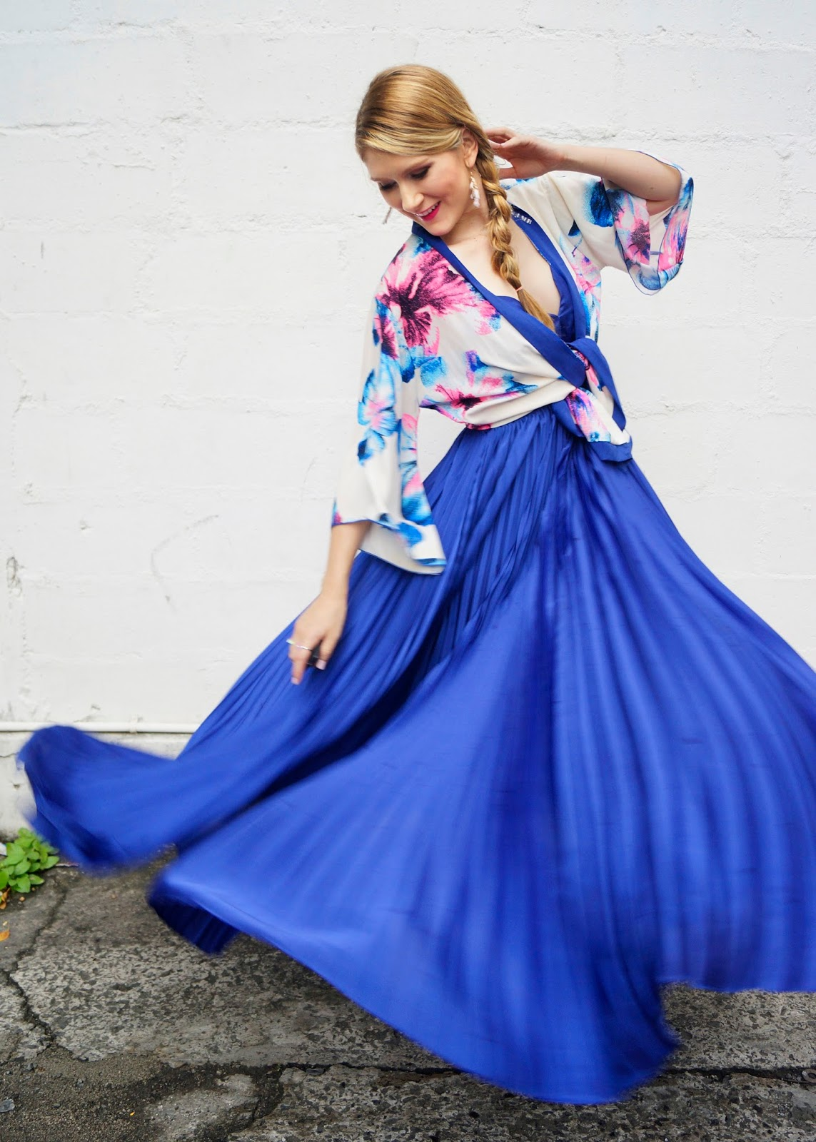 Love this gorgeous pleated dress!