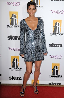 Halle Berry Short Hairstyle at the Annual Hollywood Awards Gala