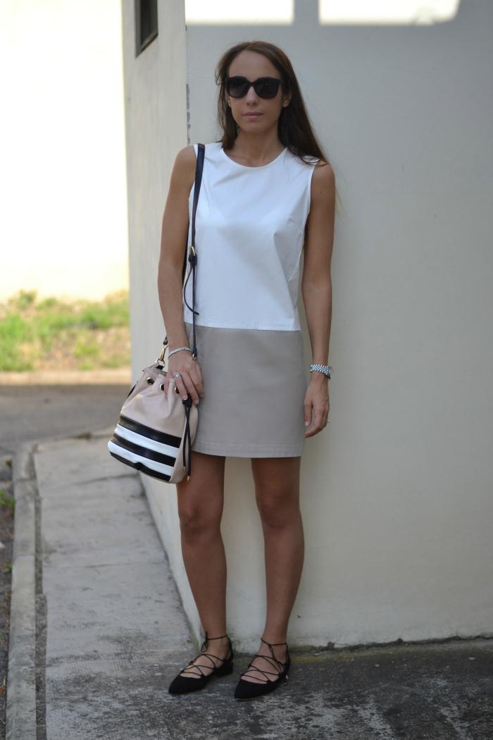 abito beige bianco