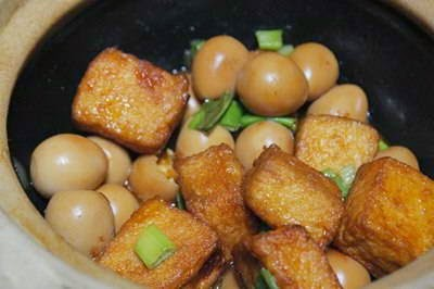 Braised Tofu with Quail Eggs - Trứng Cút Kho Đậu Hũ