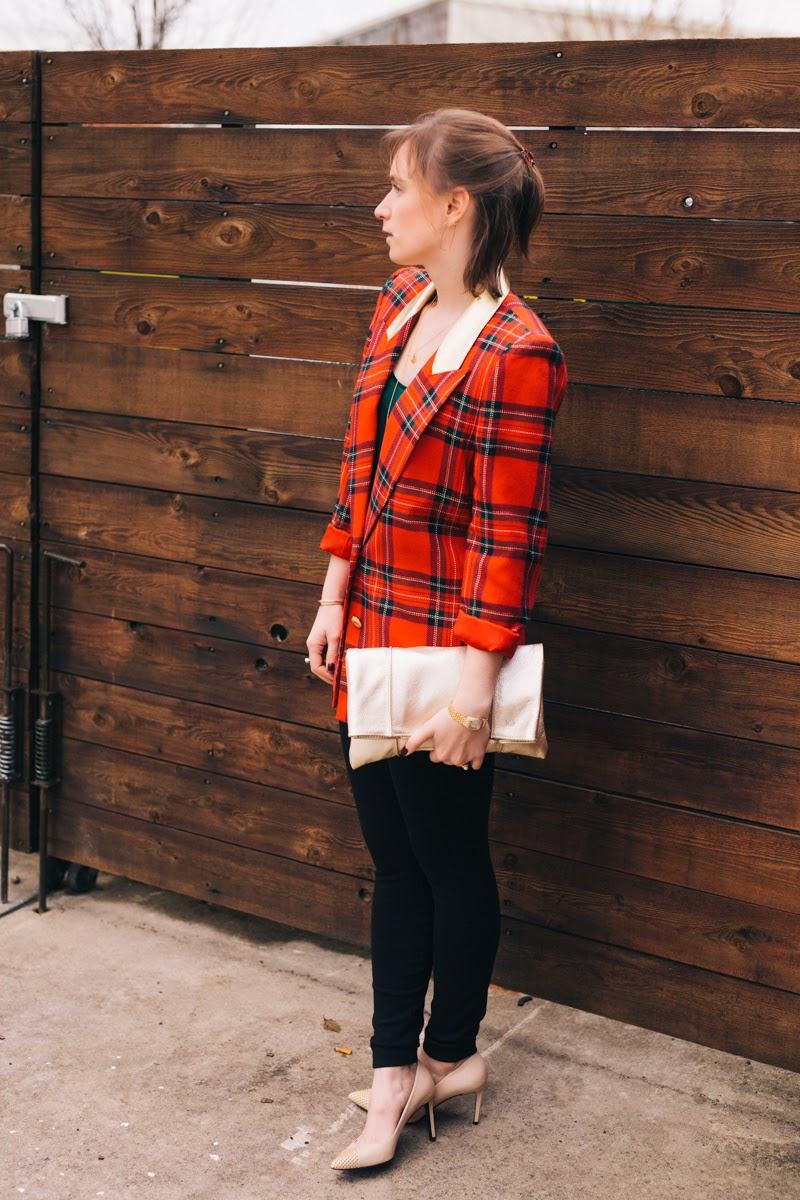 plaid blazer, holiday party style, gold clutch, Ceri Hoover