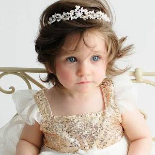 Foto Gambar Bayi Perempuan Cantik Pakai Bandana Bunga