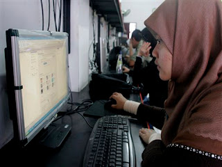 Pengguna Internet Indonesia 55 Juta Orang