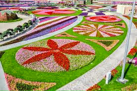 Taman Bunga dengan 45 juta jenis bunga