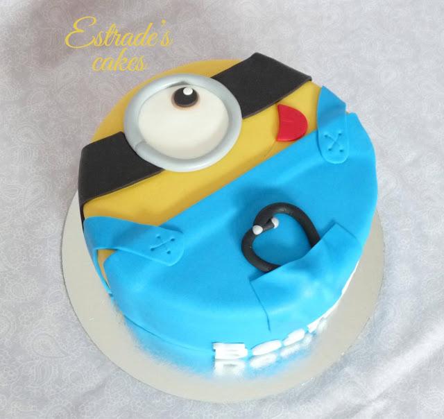 tarta minion médico 3