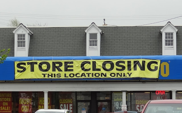 Blockbuster Video,store,closing,Bangor,Maine,Hogan Road