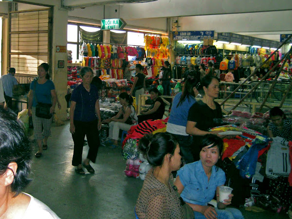 Mercado Dong Xuan Market - Hanoi - Vietnam