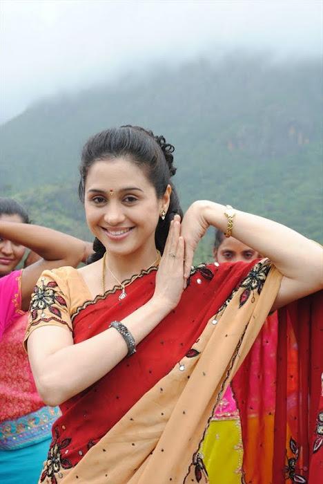 devayani @ kodi mullai tv serial latest photos
