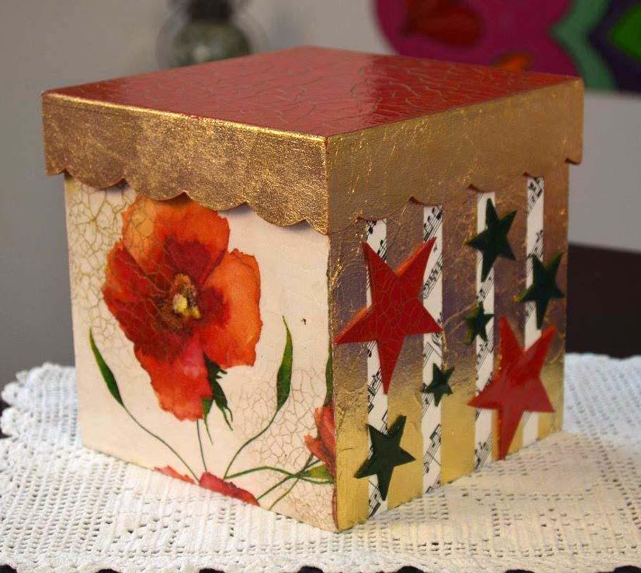 C mo decorar cajas con motivos navide os arteztv - Como decorar un joyero de madera ...