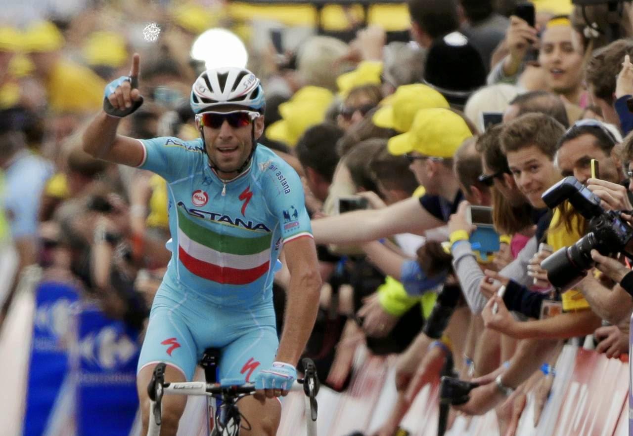 Nibali gana la segunda etapa y se coloca líder