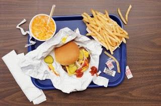 الوجبات السريعة لها اضرار في زيادة الوزن