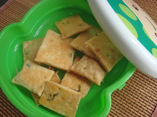 savoury crackers,thins,salty masala biscuits
