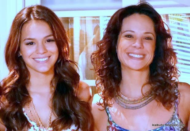 Novela Em Familia Globo Bruna Marquezine e Vanessa Gerbelli - lealtudo-001