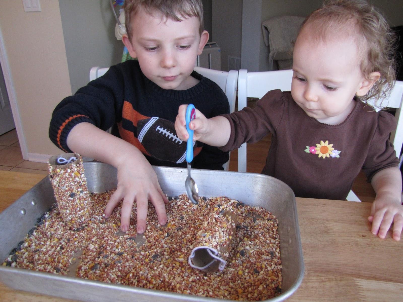 DIY alimentadores de aves para dar la bienvenida a la primavera   Cheddar's Scratch Cocina