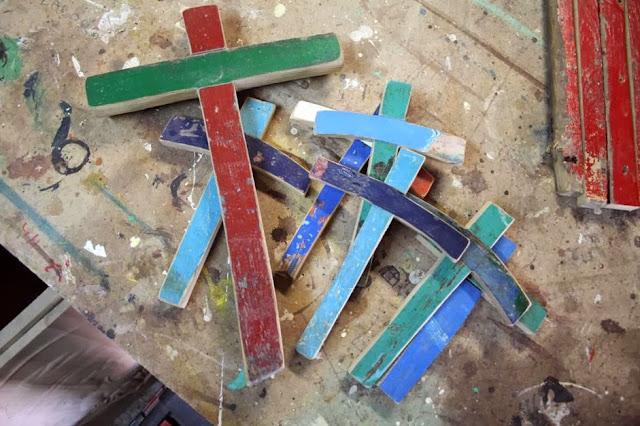 Padernoforum lampedusa 150 croci con il legno delle - Pagine da colorare croci ...