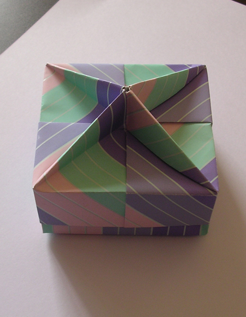 origami maniacs origami squared box lid with wedges by tomoko fuse