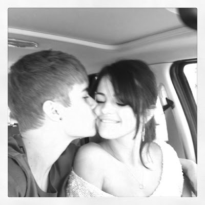 justin bieber selena gomez birthday kiss