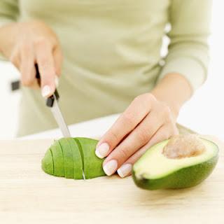 manfaat buah alpukat untuk ibu hamil dan janin