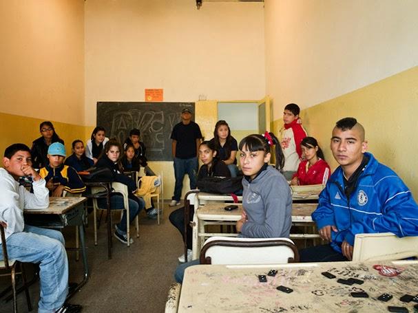 Retratos de Salón de Clases Estudiantes Alrededor del Mundo