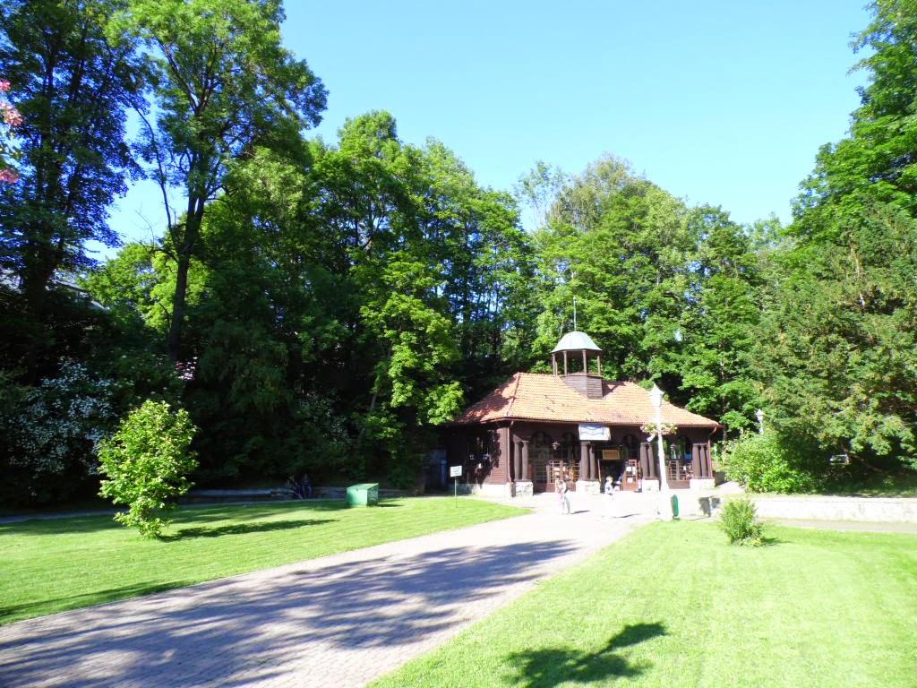 Pijalnia Jan w Krynicy-Zdroju u podnóża Góry Parkowej